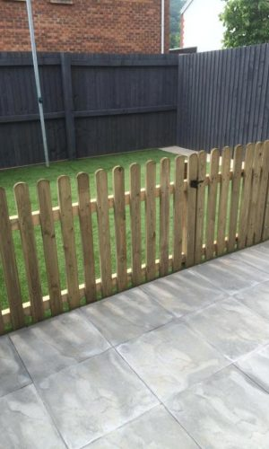 Astroturf 01 Astroturf Patio and Picket Fencing
